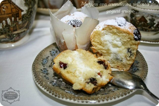 muffins con arandanos rellenos de yogurt griego